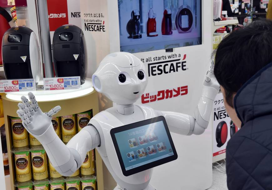 disruption arbeidsmarkt. robotisering, robot pepper in Japan